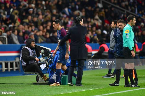 Angel Di Maria of PSG is substituted by PSG coach Unai Emery during the Ligue 1 match between Paris Saint Germain and Lille OSC at Parc des Princes...