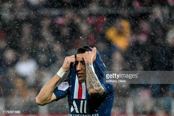 Angel DI MARIA of PSG looks dejected during the Ligue 1 match between Dijon and Paris Saint Germain on November 1 2019 in Dijon France