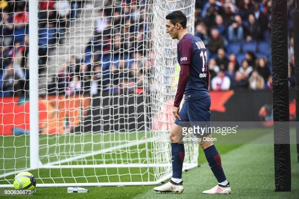 Angel Di Maria of PSG looks dejected during the Ligue 1 match between Paris Saint Germain and Metz at Parc des Princes on March 10 2018 in Paris