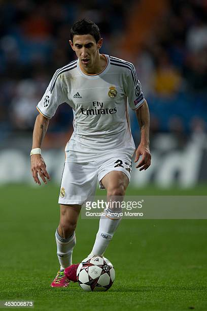 Angel Di Maria of Real Madrid CF controls the ball with during the UEFA Champions League group B match between Real Madrid CF and Galatasaray AS at...