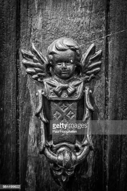 angel door knocker @ church (balk - friesland) - hoogeveen stock pictures, royalty-free photos & images