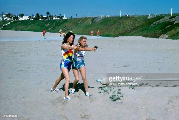 S ANGELS Angel in a Box Season Three 1/19/79 Jaclyn Smith and Cheryl Ladd