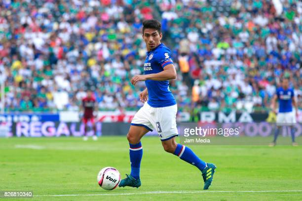Angel Mena of Cruz Azul drives the ball during the 3rd round match between Leon and Cruz Azul as part of the Torneo Apertura 2017 Liga MX at Nou Camp...