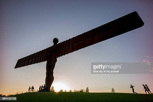 angel of the north at sunset - antony gormley stock pictures, royalty-free photos & images