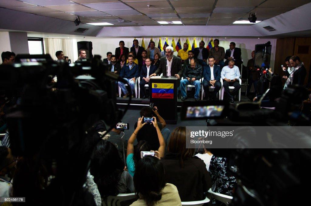 Venezuela's Opposition Alliance Rejects 'Fraudulent' Elections : Fotografía de noticias