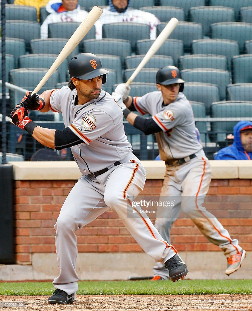 Angel Pagan #16 of the San Francisco Giants bats in the seventh inning against the New York Mets as teammate Matt Duffy #5 of the San Francisco Giants waits on deck at Citi Field on May 1, 2016 in the Flushing neighborhood of the Queens borough of New York City.