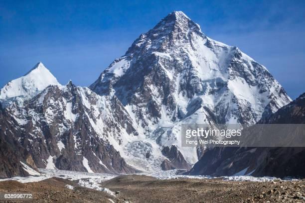 k2 & angel peak, concordia to k2bc, central karakoram national park, gilgit-baltistan, pakistan - k2 mountain stock pictures, royalty-free photos & images