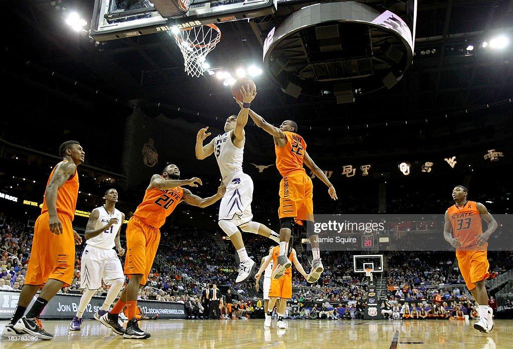 Oklahoma State v Kansas State : News Photo
