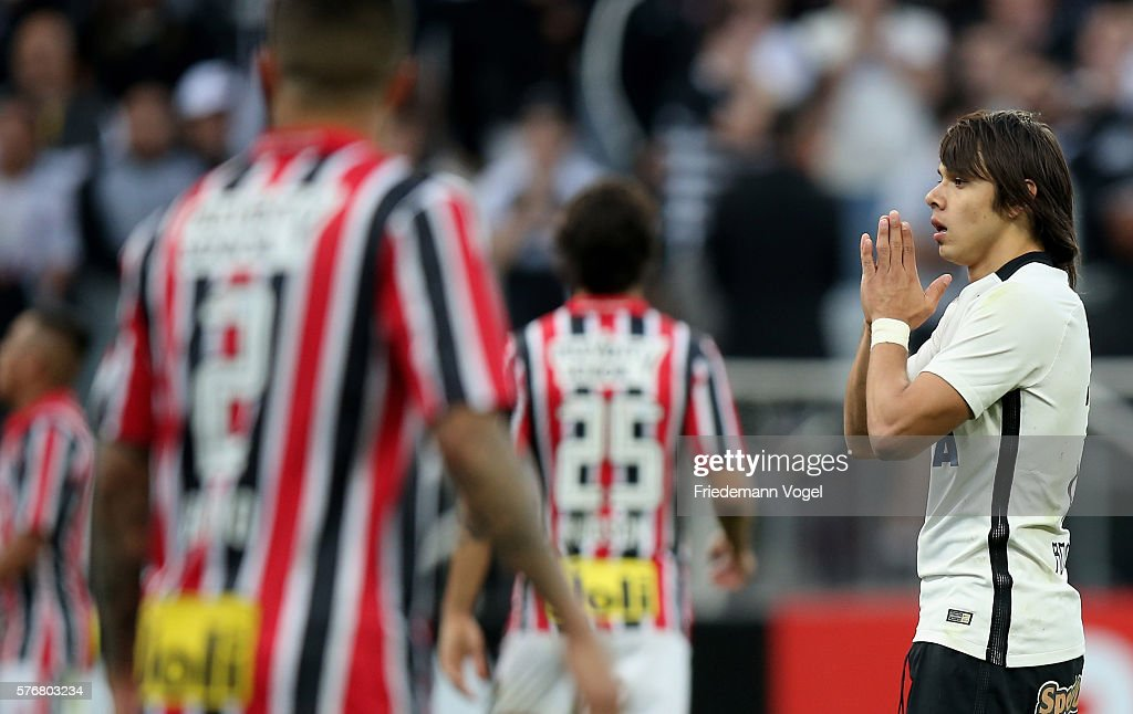 Angel Romero of Corinthians reacts during the match between Corinthians and Sao Paulo for the Brazilian Series A 2016 at Arena Corinthians on July 17, 2016 in Sao Paulo, Brazil.