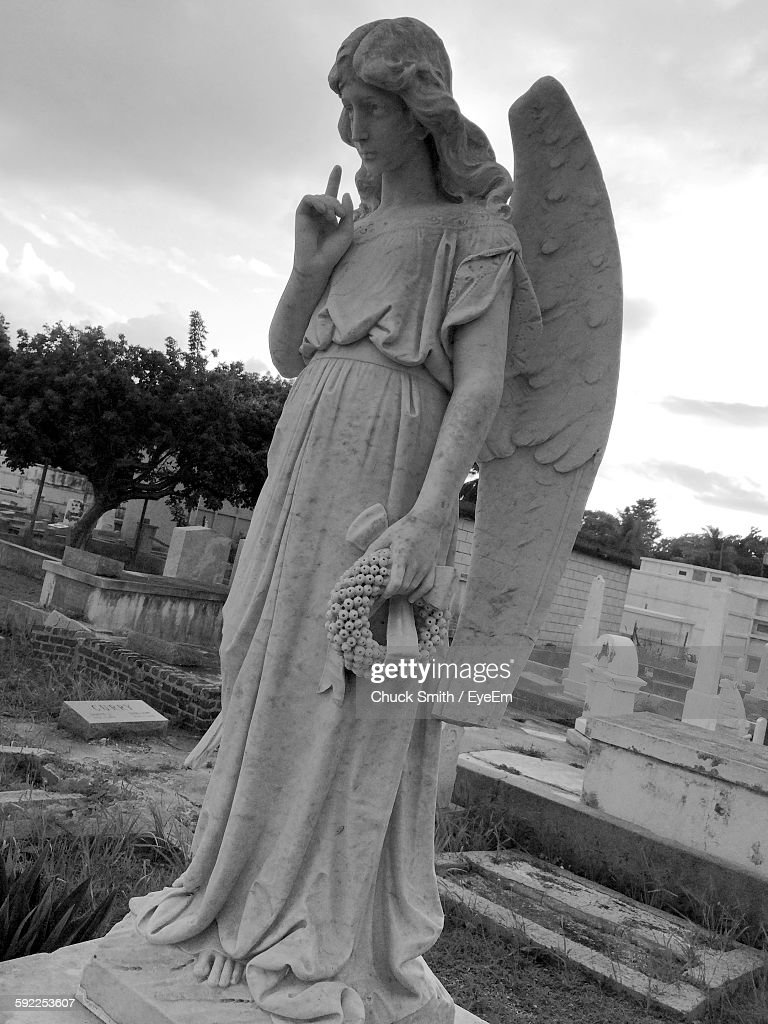 Angel Statue At Cemetery : Stock Photo
