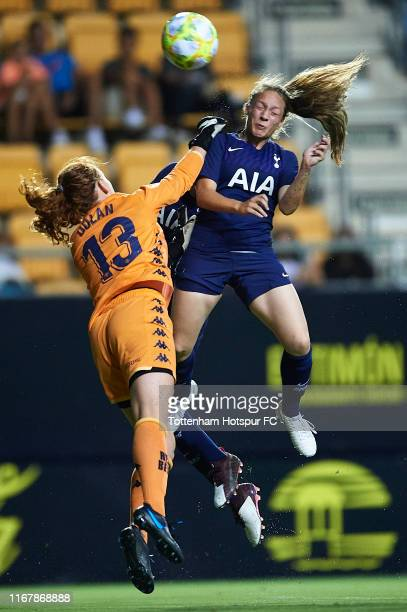 Angela Addison of Tottenham Hotspur Women competes for the ball with Merel Didi Van Dongen of Real Betis Bolompie Femenino during the Ramon de...
