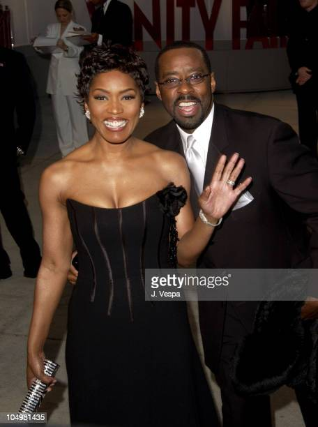 Angela Bassett and Courtney B Vance during 2002 Vanity Fair Oscar Party Hosted by Graydon Carter Arrivals at Morton's Restaurant in Beverly Hills...