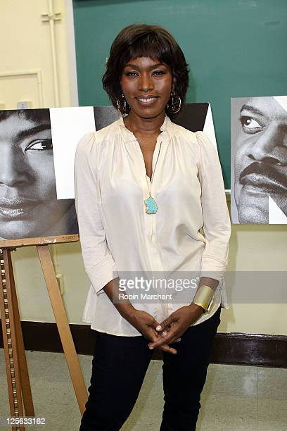 Angela Bassett attends the The Mountaintop press confrence at Brooklyn High School of the Arts on September 19 2011 in the Brooklyn borough of New...
