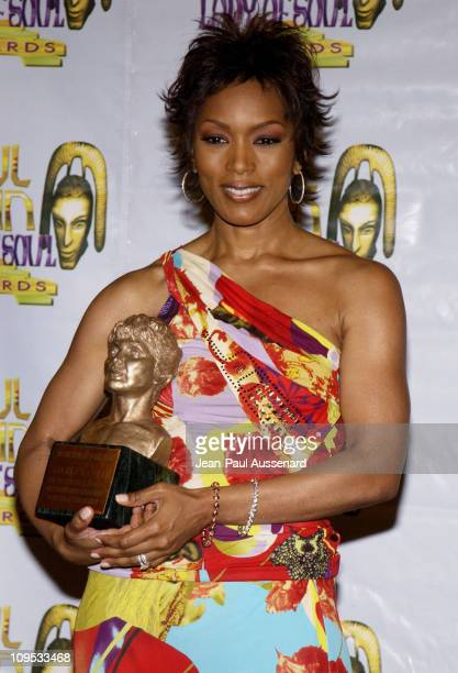 Angela Bassett honored with the Lena Horne Award for outstanding career achievements