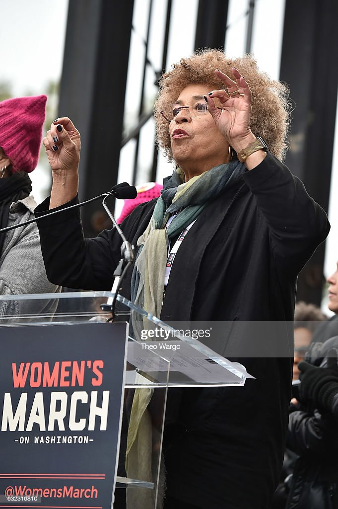Angela Davis speaks during attends the Women's March on Washington on January 21, 2017 in Washington, DC.