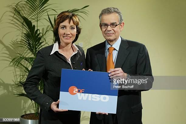 Angela Elis Michael Opoczynski 20 Jahre ZDFShow WISO Mainz Studio Logo Anzug Krawatte Moderator Moderatorin Promi PNr 1277/2003 STB Foto PBischoff/CD...