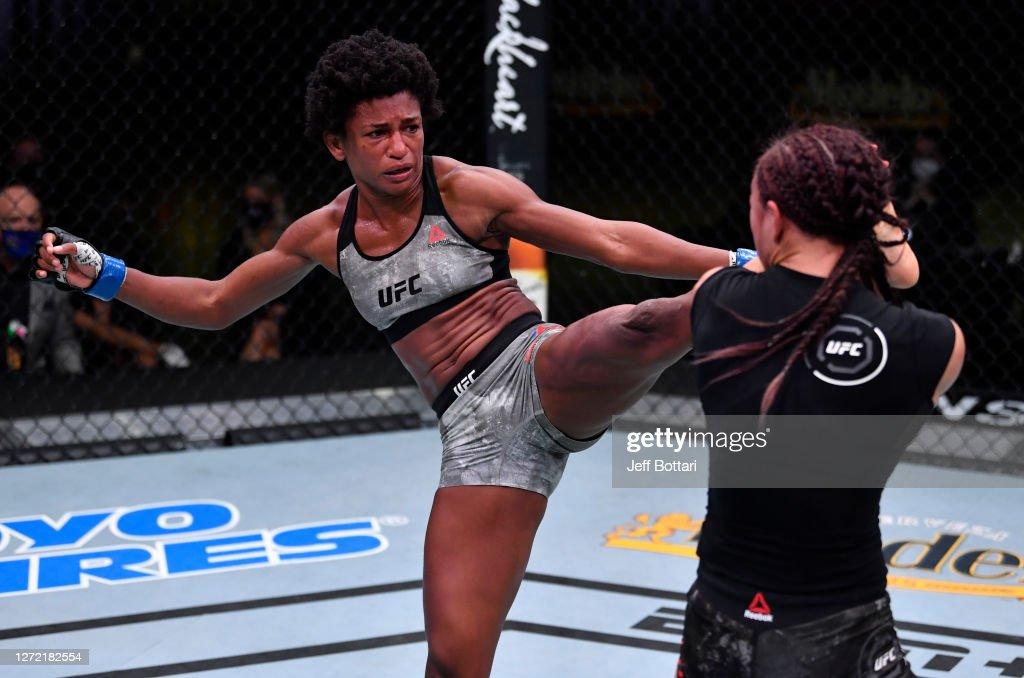 UFC Fight Night: Waterson v Hill : News Photo