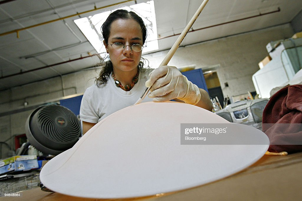Angela Kevelier applies a faux finish to a glass dome during production in the Baldinger Architectural  sc 1 st  Getty Images & Baldinger Architectural Lighting Inc. Stock Photos and Pictures ...