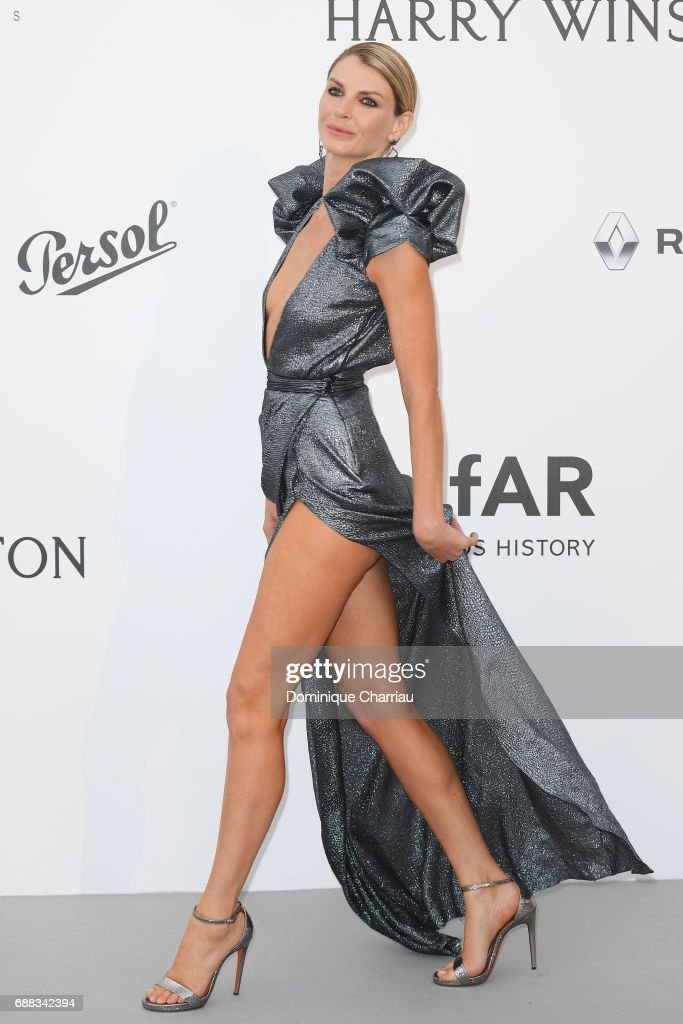 Angela Lindvall arrives at the amfAR Gala Cannes 2017 at Hotel du Cap-Eden-Roc on May 25, 2017 in Cap d'Antibes, France.