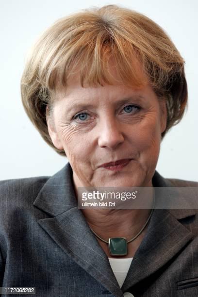 Angela Merkel Bundeskanzlerin der Bundesrepublik Deutschland in ihrem Büro im Bundeskanzleramt Interview für Berliner Morgenpost