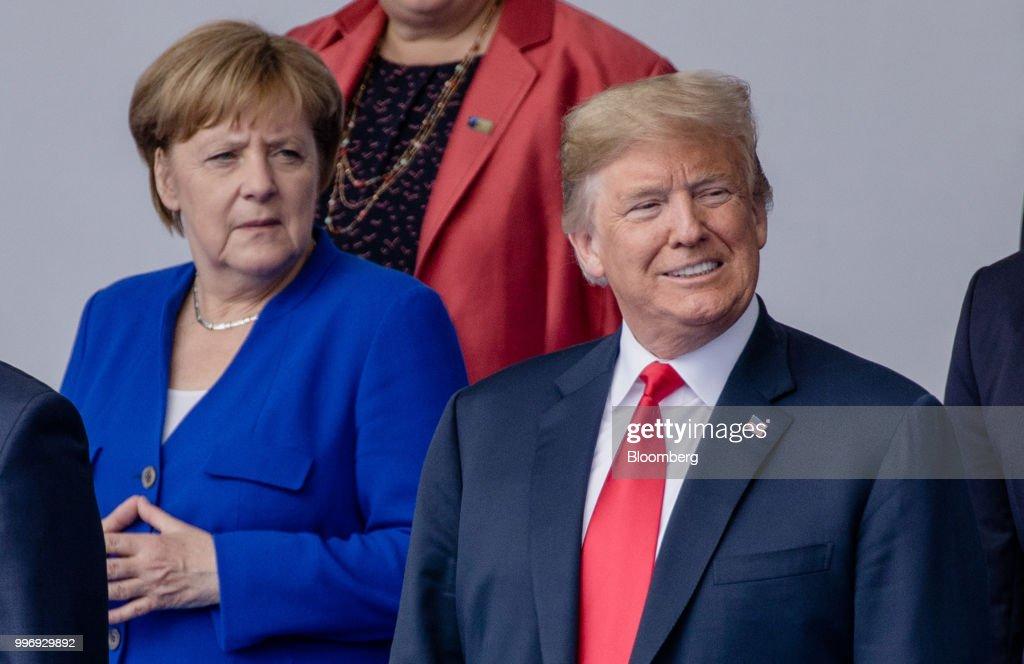 President Trump In Europe For NATO Summit : Nieuwsfoto's