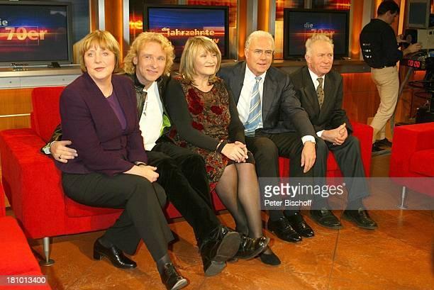 """Angela Merkel , Thomas Gottschalk, Alice Schwarzer, Franz Beckenbauer , Sigmund Jähn , , ZDF-Show """"Die Jahrzehnte-Show""""- """"Ausgabe 70er Jahre"""" mit J o..."""