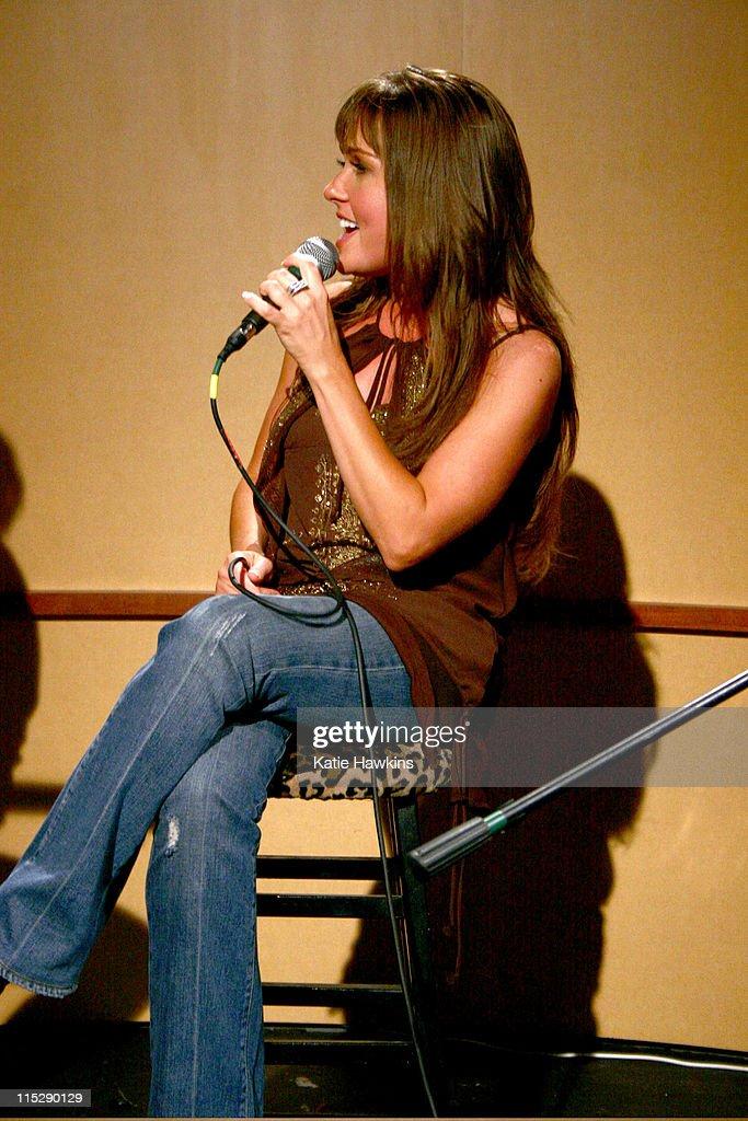 20th Annual SXSW Film and Music Festival - ME Television/DirtyChildren.Us Orange Room - Day 4 - LIVE! in Studio : News Photo
