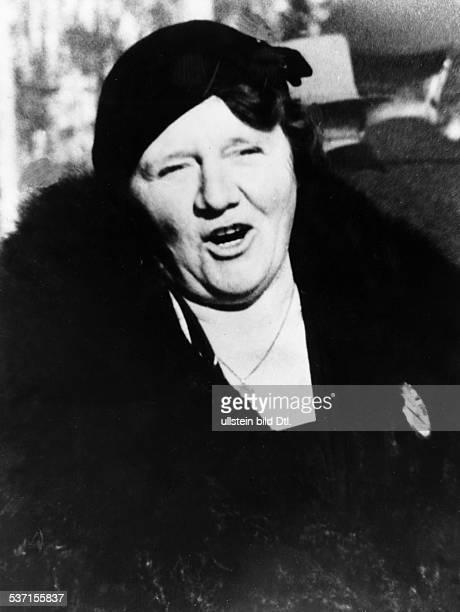 Angela Raubal - Hitler's half sister Angela Raubal 28.07.1883- Hitler's half sister, mother of his niece - around 1930