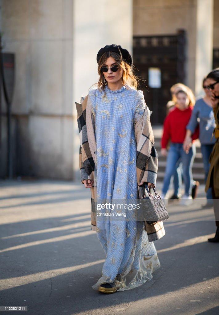 Street Style - Paris Fashion Week Womenswear Fall/Winter 2019/2020 : Day Three : News Photo
