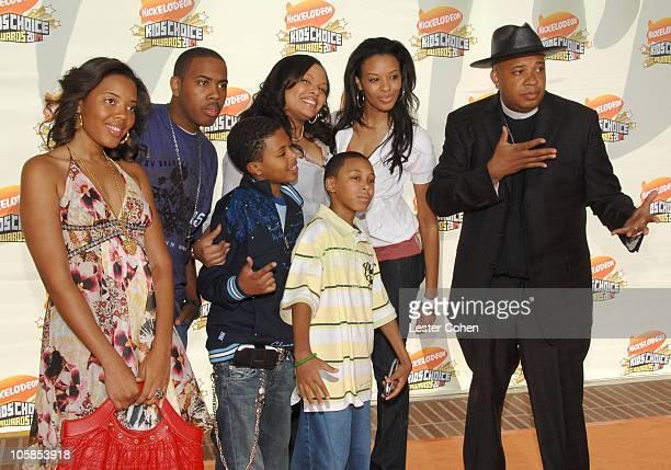 Angela Simmons Joseph Simmons Jr Russell Simmons II Justine Simmons Daniel Simmons II Vanessa Simmons and Reverend Run