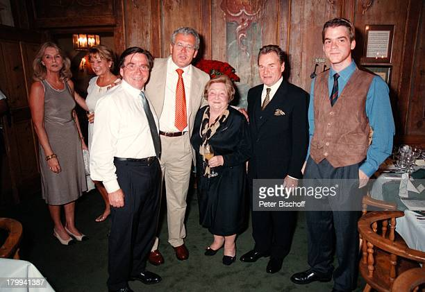 Angela Wepper , Elmar Wepper,;Mutter Wilhelmine Wepper, Fritz Wepper,;Elmar Wepper jr., weitere Gäste, 80.;Geburtstagsfeier von Wilhelmine...
