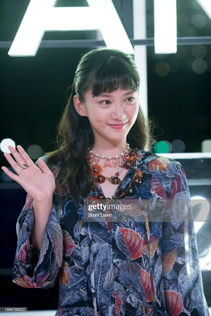 Angela Yuen attends the Chanel Cruise 2018/19 Replica Show
