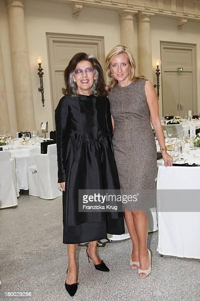 Angelica Blechschmidt Und Stephanie Fresle Beim Rena Lange Ladies Lunch Im Hotel De Rome In Berlin