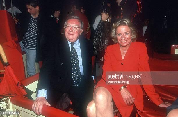Angelika Jahr Mit Ihrem Ehemann Rudolf Stilcken Bei Der Gala Des Circus Roncalli