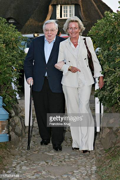 Angelika Jahr Stilcken And husband Rudolf Stilcken at The Traditional Food From Cancer Economia Manfred_Baumann boss in the house 'Catherine' on the...