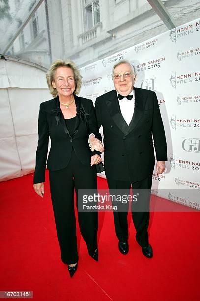 Angelika JahrStilcken Mit Ihrem Ehemann Rudolf Bei Der Verleihung Des Henri Nannen Preis Im Deutschen Schauspielhaus In Hamburg