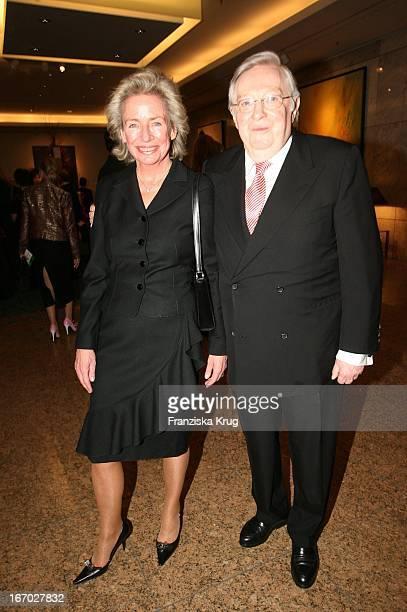 Angelika JahrStilcken Und Ehemann Rudolf Stilcken Bei Der Verleihung Der 'FamilienManagerin 2005' Im Hotel Intercontinental In Berlin