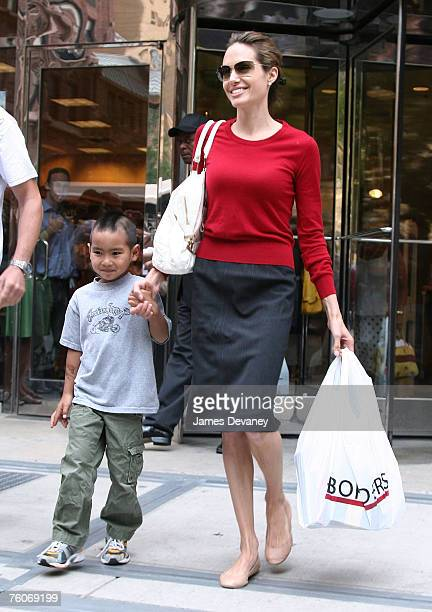 Angelina Jolie and Maddox visit Borders in Chicago on August 12 2007