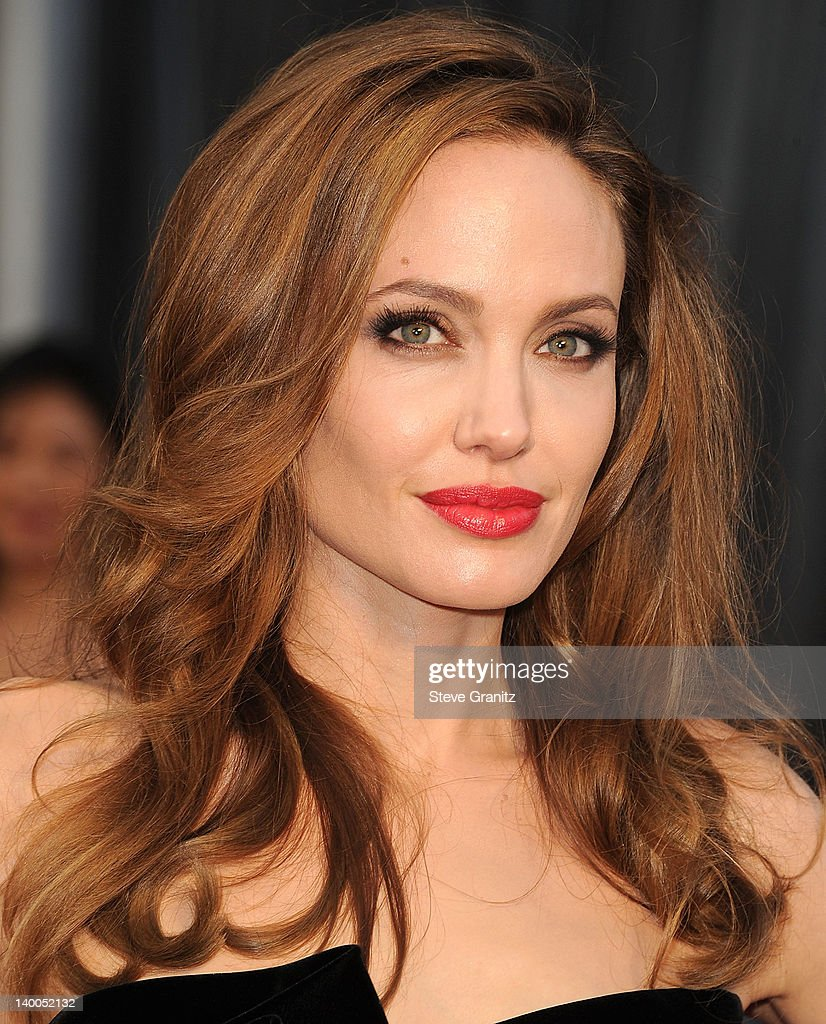 Angelina Jolie arrives at the 84th Annual Academy Awards at Grauman's Chinese Theatre on February 26, 2012 in Hollywood, California.