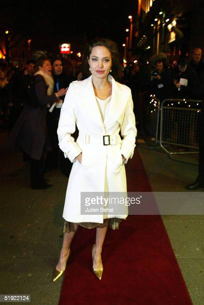 Angelina Jolie arrives at the Irish Premiere of 'Alexander' at the Savoy Cinema on January 6 2005 in Dublin Ireland