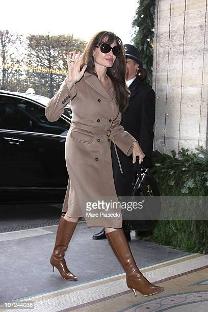 Angelina Jolie arrives at The Meurice for 'The Tourist' Press Junket on December 2 2010 in Paris France