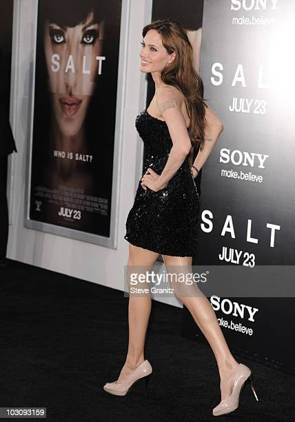 Angelina Jolie attends the Salt Los Angeles Premiere at Grauman's Chinese Theatre on July 19 2010 in Hollywood California