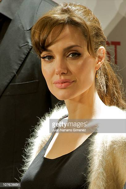 Angelina Jolie attends 'The Tourist' photocall at Villamagna Hotel on December 16, 2010 in Madrid, Spain.