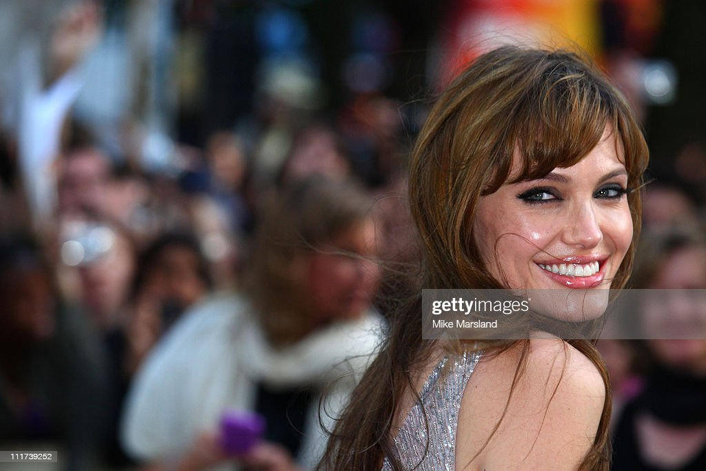 """Salt"" UK Premiere - Outside Arrivals : News Photo"