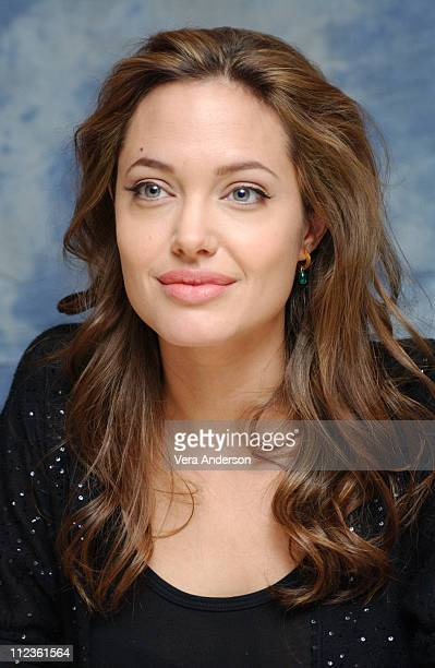 Angelina Jolie during 'Alexander' Press Conference with Angelina Jolie Colin Farrell Oliver Stone and Val Kilmer at St Regis Hotel in Century City...