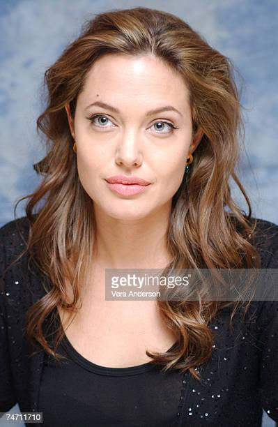 Angelina Jolie during 'Alexander' Press Conference with Angelina Jolie Colin Farrell Oliver Stone and Val Kilmer at the St Regis Hotel in Century...