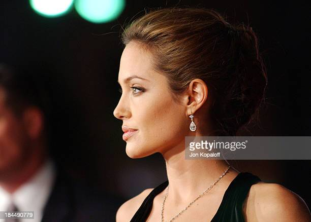 Angelina Jolie during 'Alexander' World Premiere Arrivals at Grauman's Chinese Theater in Hollywood California United States