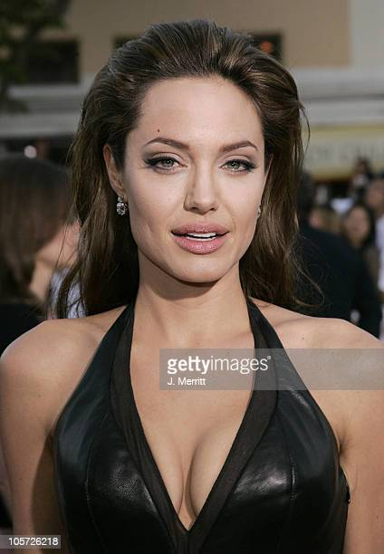 Angelina Jolie during 'Mr Mrs Smith' Los Angeles Premiere at Mann's Westwood in Westwood California United States