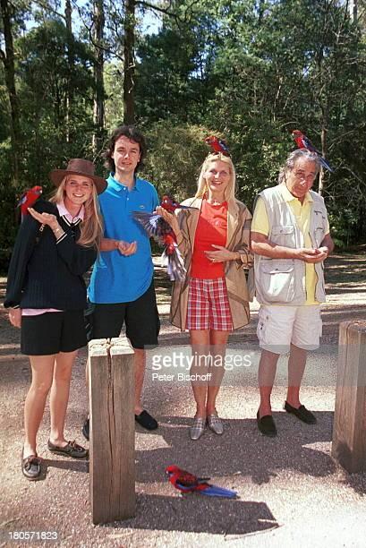 Angelina Pappini Ehemann Christian FreszVater Roger Pappini Mutter MarleneCharell Dandemong Park beiMelbourne/Australien Vögel