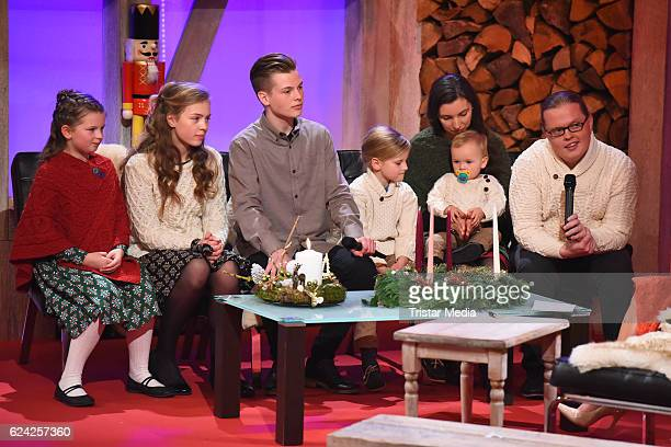 Angelo Kelly and family during the 'Die grosse Show der Weihnachtslieder' with Stefanie Hertel on November 18 2016 in Suhl Germany